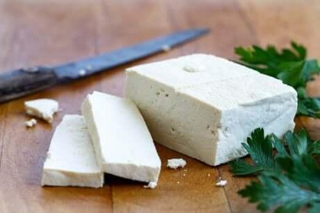 Du fromage au lait végétal.