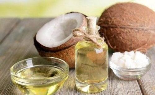 Utilisations de l'huile de coco pour prendre soin de votre corps