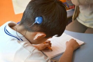 Journée internationale des implants cochléaires : tout ce que vous devez savoir