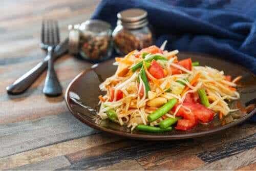 Salade de papaye : recette rapide et délicieuse