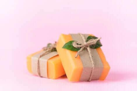 Des pains de savon de papaye.