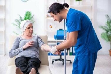 Syndrome carcinoïde : causes, symptômes et traitement
