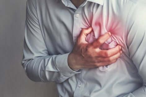 Une cardiopathie ischémique.