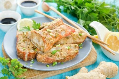 Cuisiner du poisson faible en calories.