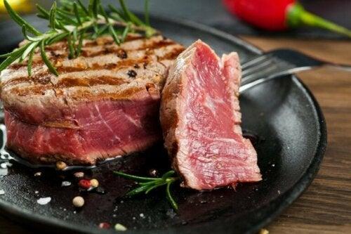 Aliments mal cuits : peuvent-ils être mauvais pour la santé ?