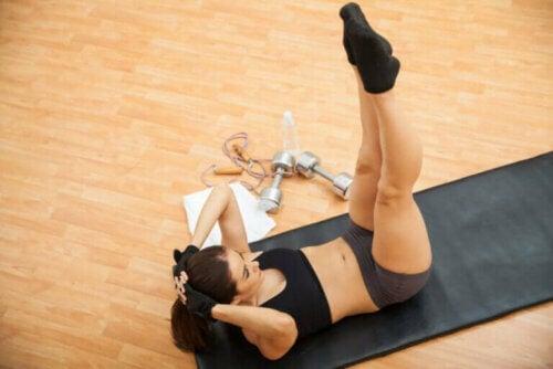 6 exercices pour travailler vos abdominaux latéraux