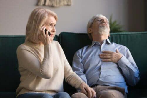 Accidents et premiers secours chez les personnes âgées