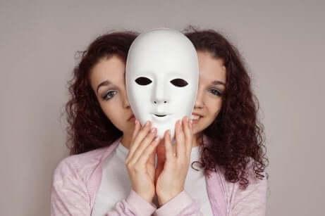 Une femme bipolaire.