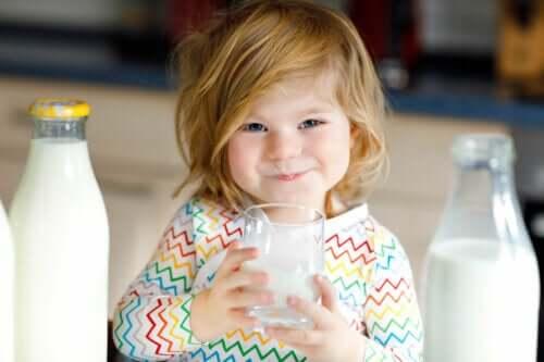 Est-il sain de donner du lait de chèvre à un bébé ?