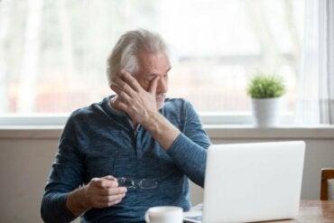 Conseils pour éviter les symptômes de sécheresse oculaire liés à l'utilisation des écrans