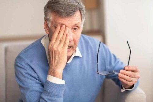 Un patient atteint de glaucome.