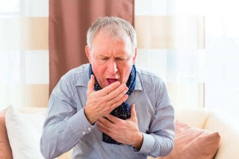 Les symptômes de la toux chronique.