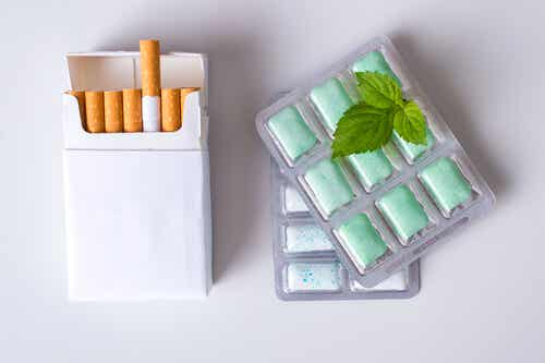 Des chewing-gum de nicotine.