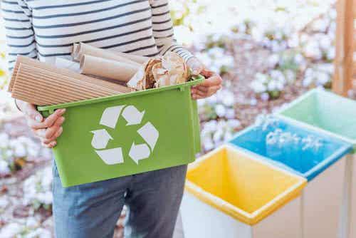 Les déchets polluent l'environnement.