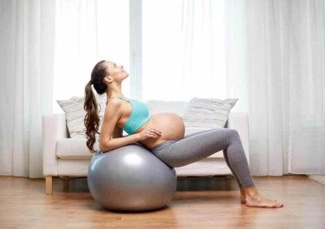 Les bénéfices de faire de l'exercice pour une femme enceinte.