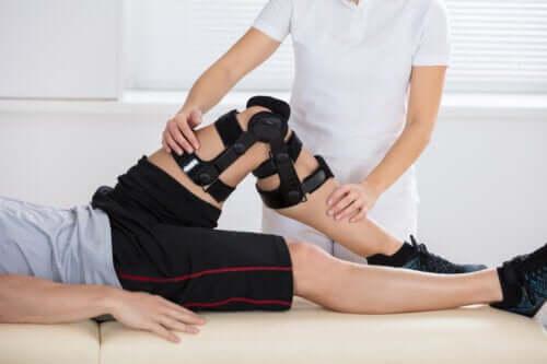 Quelle est la cause d'une lésion du ligament croisé postérieur ?