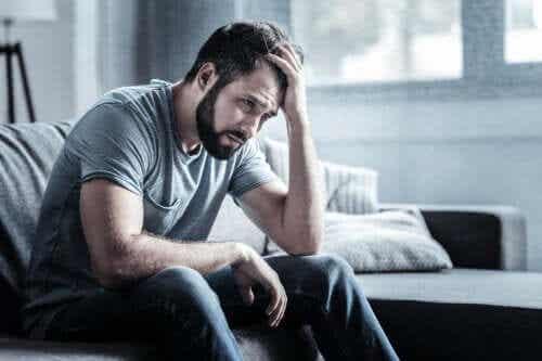 Névrose dépressive : symptômes, causes et traitement