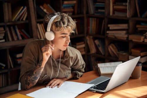 Est-il préférable d'étudier avec ou sans musique ?