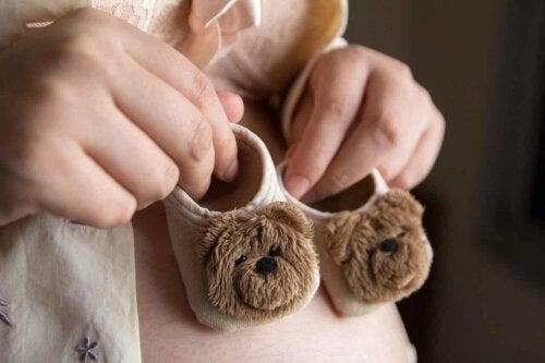 Des chaussons pour bébé.