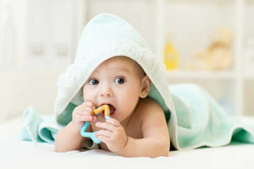 Comment soulager les démangeaisons des gencives chez le bébé ?