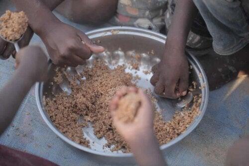La dénutrition chez les enfants.