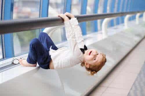 Jeux et exercices pour renforcer les bras des enfants
