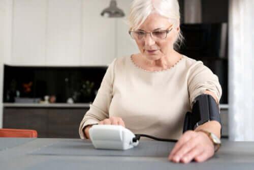 Quel est le lien entre la ménopause et l'hypertension ?