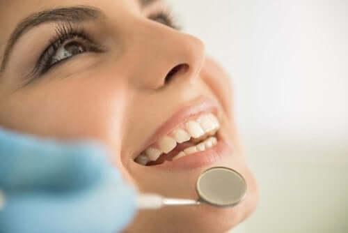 5 remèdes pour les soins de la bouche