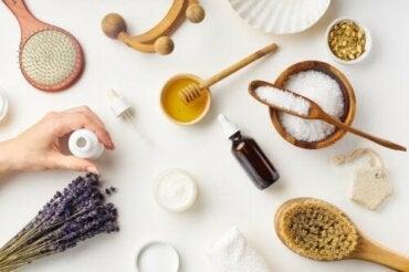 Quels sont les ingrédients essentiels dans le maquillage ?