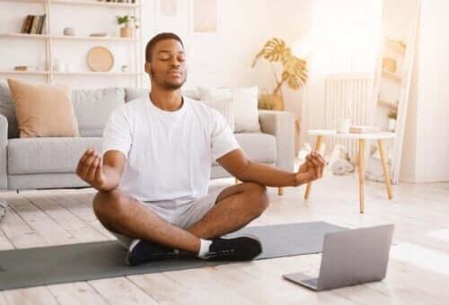 Qu'est-ce que la méditation Vipassana et quels bénéfices apporte-t-elle ?