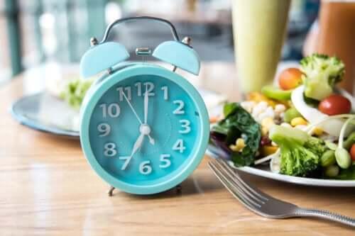 La meilleure heure du jour pour manger, selon la science