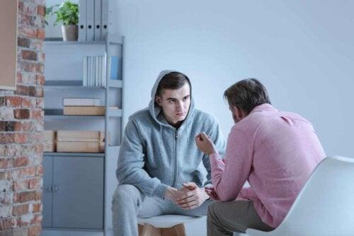 Un jeune homme en thérapie cognitive.