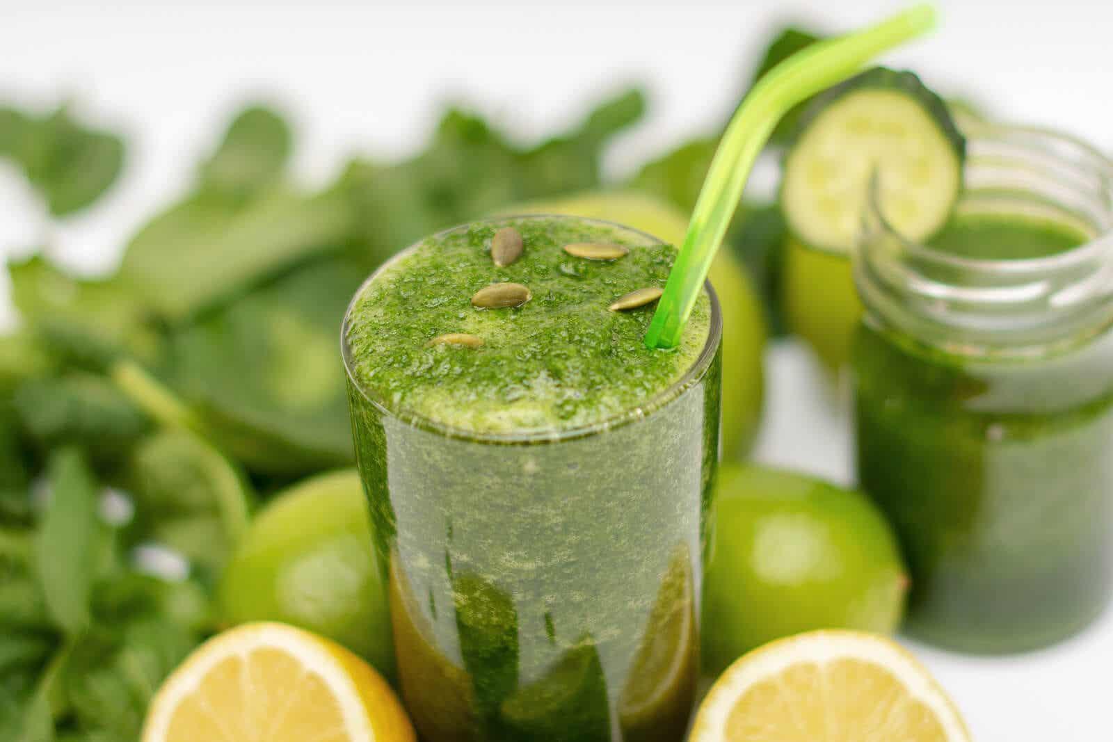 Un smoothie vert.