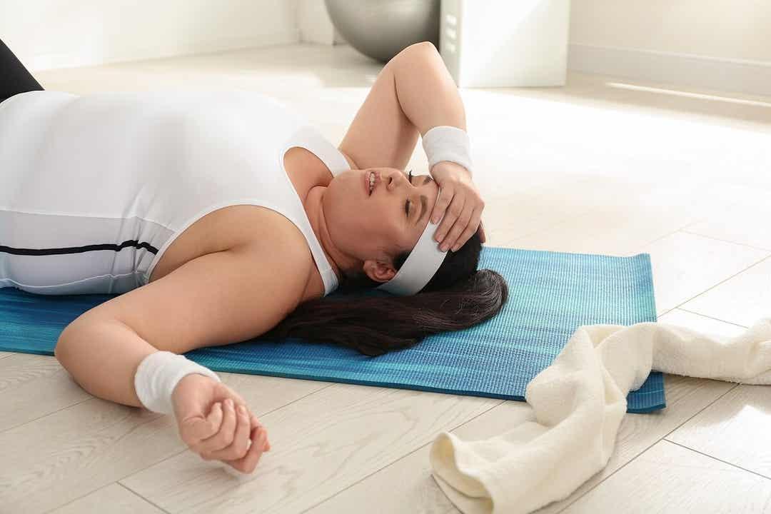 Une femme souffrant d'hypothyroïdie.