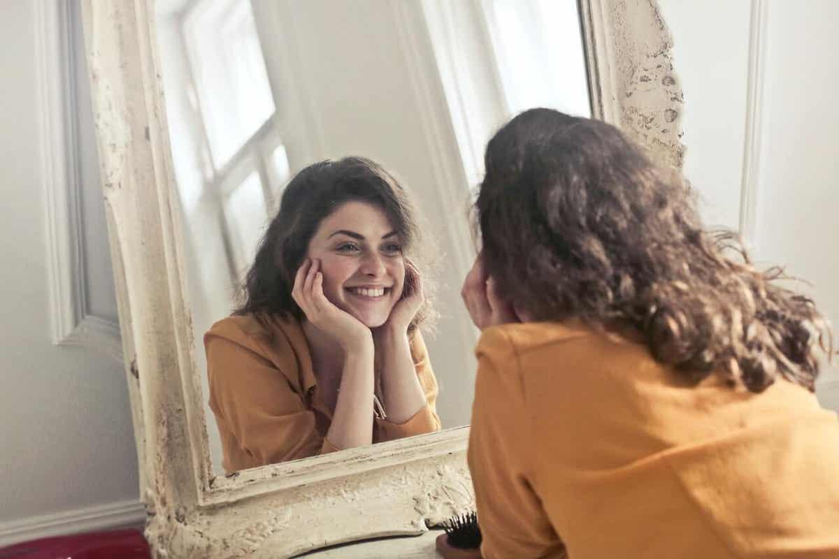 Une femme heureuse.