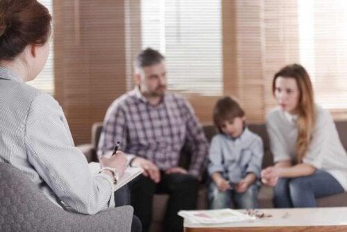 Une thérapie familiale.