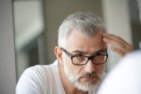 Pourquoi des cheveux blancs apparaissent-ils lorsque nous stressons ?