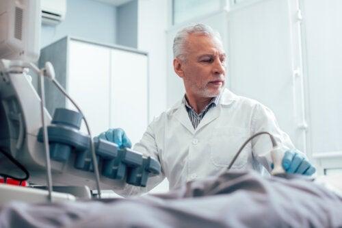 Qu'est-ce qu'une échographie testiculaire et quand est-elle nécessaire ?