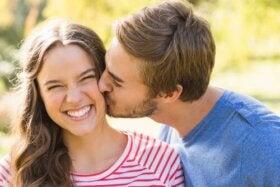 La philamatologie, la science qui étudie le baiser