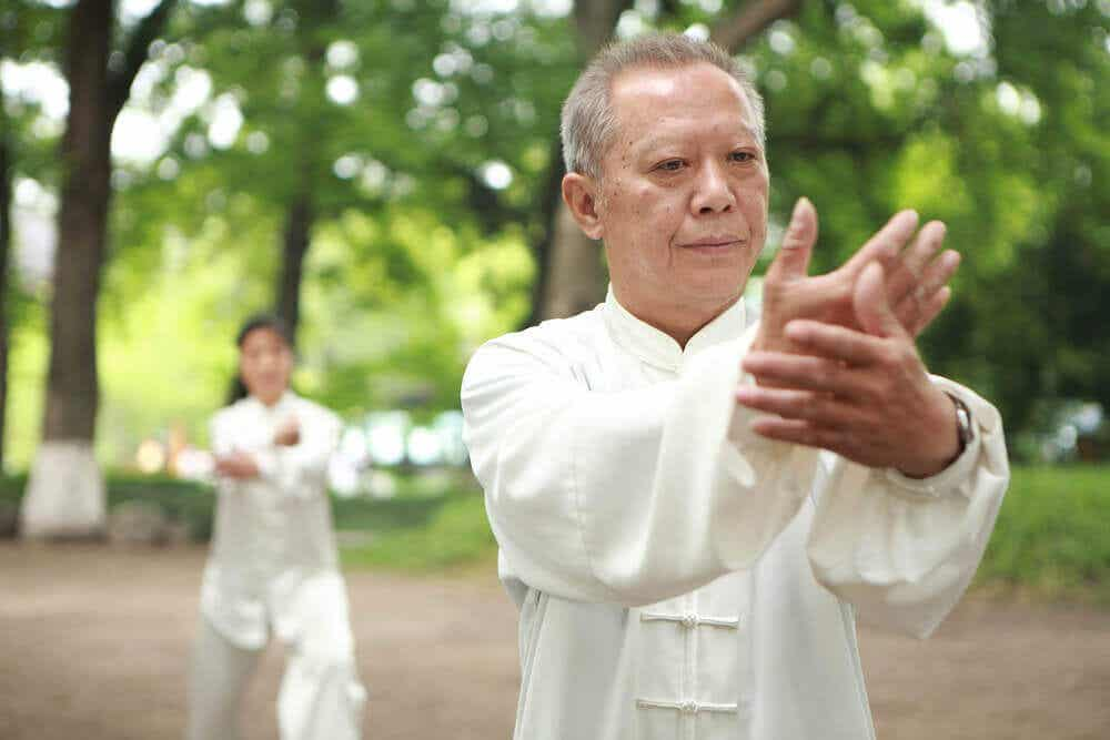 Un maître tai-chi.