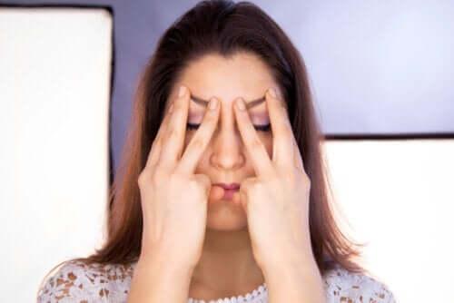 Visage asymétrique : quelles en sont les causes et quelles sont les options pour le traiter ?