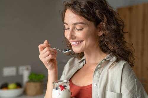 6 recettes de petit-déjeuner sains avec du yaourt