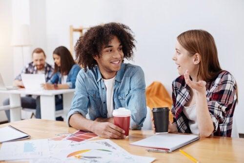 10 compétences en communication et leur importance