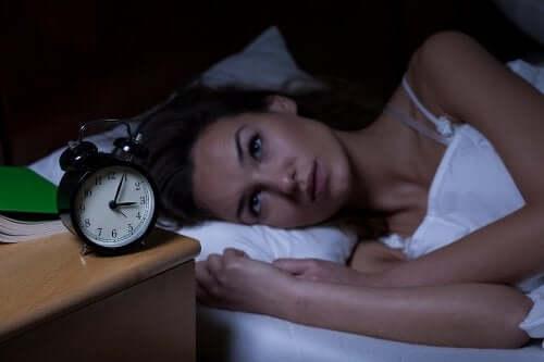 Se réveiller à l'aube chaque nuit a son explication
